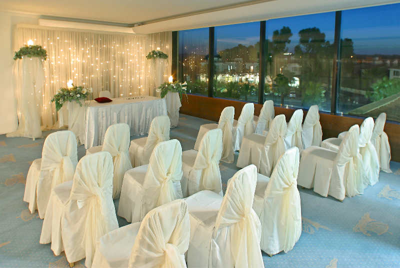 Luxury Wedding Indoor: Grecian Park Hotel